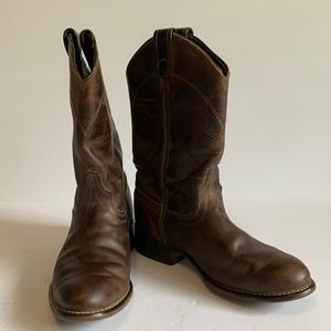 Laredo Cowboy boots. Distressed finish. 7.5